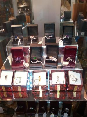 Collectables and gifts Northants